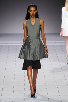 Top 11 Trends For Spring 2014 - Pleats Viktor & Rolf Spring 2014
