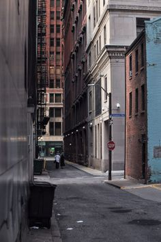 Strawberry Way in downtown Pittsburgh: Most of the cities oldest buildings have been torn down, a few Civil War or Antebellum bldgs have survived and can still be found in this alleyway; like the 1850s bldg on the right. This street is a remnant of Pittsburgh's original street plan of 1784.