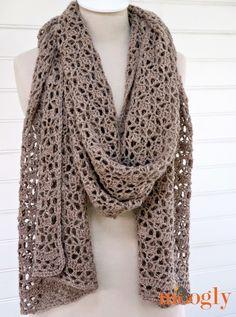 Een hele mooie shawl om zelf te haken!Klik HIER om naar het patroon te gaan....Zeker eentje die ik ga uitproberen ;-) ********* A gorgeous crochet wrap!Click HERE to go to the pattern.....I have to ma