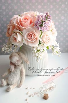 Clay handmade flowers by Evgeniya Volosova Пудровые розы и сирень.