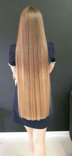 Woman with very long blond Hair Beautiful Long Hair, Gorgeous Hair, Pretty Hairstyles, Straight Hairstyles, Men's Hairstyle, Funky Hairstyles, Formal Hairstyles, Latest Hairstyles, Wedding Hairstyles
