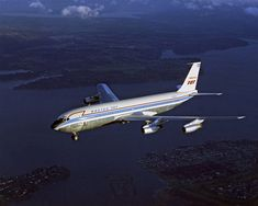 Boeing 707-121 N708PA, photographed during its second flight on the afternoon of 20 December 1957. (Boeing)