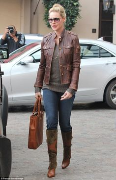 Katherine Heigl - I don't care if she's a bitch in real life. So am I and I'd love to look like her.  (This goes back to Roswell days.)