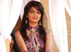 Sriti Jha Wiki & HD Wallpapers Sriti Jha is one of the famous Indian Television actress. Sriti Jha, All Actress, Kumkum Bhagya, Bollywood Stars, Bollywood Actress, Indian Actresses, Actors, Celebrities, Image