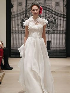 reem acra ; strapless a-line gown in silk organza. #kleinfeldbridal    (WITHOUT the shrug/shawl)