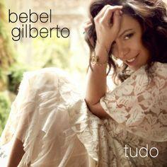 Em seu novo CD, TUDO, Bebel Gilberto tenta voltar no tempo Postado na data de 27/11/2014 #rioecultura #mpb #musica #bebelgilberto #tudo