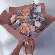 Boquette Flowers, Beautiful Bouquet Of Flowers, Luxury Flowers, Beautiful Flower Arrangements, Flowers Nature, My Flower, Planting Flowers, Floral Arrangements, Beautiful Flowers