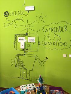 Robot on the wall at Educa en Digital