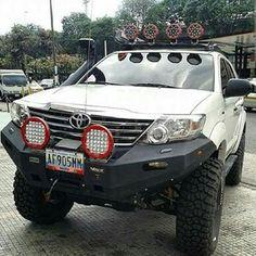 Toyota Hilux, 4x4, Jeep, Trucks, Cars, Awesome, Van, Autos, Jeeps