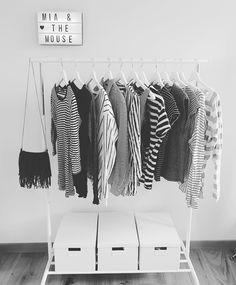 My wardrobe 📷 #fashion #fashionblogger #miaandthemouse #kleider #cloths #myhome #wardrobe #blackandwhite