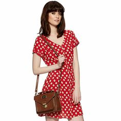 by Henry Holland Designer red daisy print dress Henry Holland, Red Polka Dot Dress, Spring Summer, Spring Style, Summer 2014, Debenhams, Vintage Floral, Red Daisy, Dress To Impress