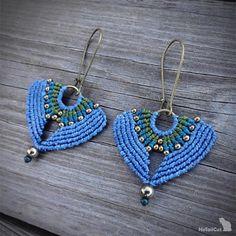 The thin 0.5 mm linhasita thread gives a very fine look to the handmade macrame earrings. Used colors of thread: denim blue, teal and olive green. You can find these earrings in other colors as well: BURGUNDY: