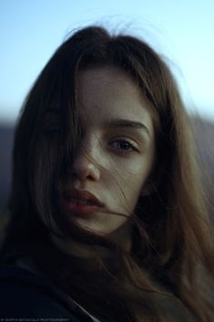 Solitude Showcase and discover creative work on the world's leading online platform for creative industries. Girl Photography Poses, People Photography, Beauty Photography, Fashion Photography, Portrait Photos, Female Portrait, Marta Bevacqua, Poses Photo, Creative Portraits