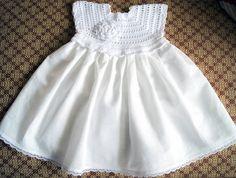 Wegen Ferien werde ich nicht akzeptieren Bestellungen vom 15 Juli bis 15 September. Willkommen zurück September. Weitere Informationen in privaten Briefen. *********************  Dieses Kleid ist gehäkelt mit Leinen Gewinde um sie kühl zu halten und auch für eine lange Lebensdauer und akzentuiert mit Blume. Das Kleid ist ein Leinentuch verwendet. Dieses Kleid passt ein Baby von 0 bis 5 Jahre alt.  Ich empfehle zur hand waschen und legen flach zum Trocknen. Wenn Sie Fragen haben, mailen Sie…