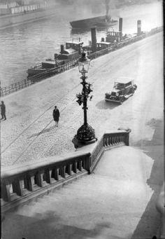 Martin Munkacsi    Woman and automobile next to waterway 1930s