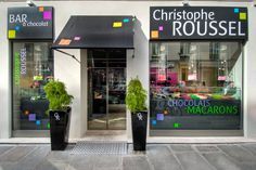 Christophe Roussel's chocolate bar belongs to Cadran Hotel in Paris. There you can find exquisite macarons, delicious cakes and excellent chocolates! http://www.cadranhotel.com/