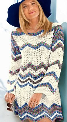 Zig-Zag Tunic free crochet graph pattern (with lots of other tunic patterns). Would be cute with other colors for a boho winter wedding. Moda Crochet, Crochet Gratis, Crochet Tunic, Crochet Clothes, Crochet Hooks, Free Crochet, Knit Crochet, Crochet Diagram, Crochet Dresses