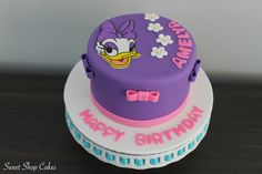 Daisy Duck themed birthday cake