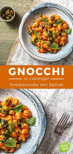 Gnocchi in cremiger Tomatensoße mit Schnittlauch Walnuss Öl Gnocchi / Italienisch / Kochen / Essen / Ernährung / Lecker / Kochbox / Zutaten / Gesund / Schnell / Abendessen / Mittagessen / Frühling #gnocchi #italienisch #tomatensoße #parmesan #hellofreshde #kochen #essen #abendessen #mittagessen #zutaten #diy #richtiglecker #familie #rezept #kochbox #ernährung #lecker #gesund #leicht #schnell #einfach #frühling
