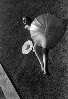 Martin Munkacsi (rotated anti-clockwise) - Nude with Parasol, 1935. S)