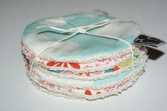 Disques à démaquiller lavables en Coton Bio imprimé girly : Soin, bien-être par kumoandfriends. Kumoandfriends.ALittleMarket.com