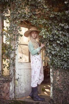 Cabbages & Roses: The Secret Garden | Shabby Chic Mania by Grazia Maiolino