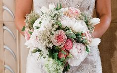 Download wallpapers wedding bouquet, 4k, pink roses, bride, white wedding dress, bouquet of roses, wedding concepts