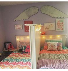 Shared little girls bedroom. Love it because each of them has their own space. Shared little girls bedroom. Love it because each of them has their own space. Unique Teen Bedrooms, Girls Bedroom, Teen Bedroom Colors, Shared Bedrooms, Small Room Bedroom, Living Room Colors, Room Decor Bedroom, Bedroom Ideas, Trendy Bedroom