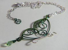 Collana con Farfalla in rame Verde  Necklace with a Green
