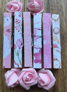 Wooden Clothespin Crafts, Wooden Clothespins, Paper Crafts, Reindeer Hot Chocolate, Christmas Hot Chocolate, Making Money Teens, Bag Clips, Photo Holders, Secret Santa Gifts