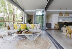 Avoca Beach House – Architecture Saville Isaacs Pty Ltd // 2012 Australian Interior Design Awards shortlist – Residential Decoration category Australian Interior Design, Interior Design Awards, Decor Interior Design, Indoor Outdoor Living, Outdoor Rooms, Outdoor Furniture Sets, Porches, White Laminate, Open Plan Living