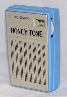 Vintage Honey Tone 6 Transistor Radio, No Model Number, Made In Japan, Circa 1960s.
