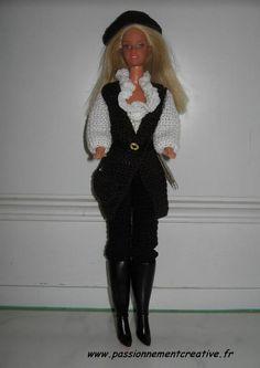 Pirate des Caraïbes de Sandrineh21 Crochet Barbie Patterns, Barbie Dolls, Doll Clothes, Creations, Knitting, Caribbean, Crocheting, Sweaters, Inspiration