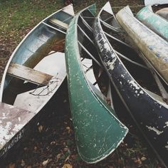 I love canoes. I love rustic. These would be a perfect photo opportunity