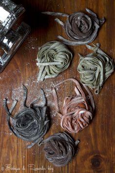 Cómo hacer facil pasta fresca con cacao marron, espinacas verde, calamar negra