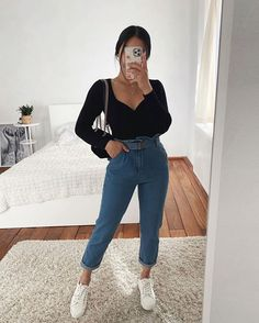To find out about the Paperbag Waist Belted Crop Mom Jeans at SHEIN, part of our latest Jeans ready to shop online today! Uni Outfits, Trendy Fall Outfits, Winter Fashion Outfits, Mode Outfits, Cute Casual Outfits, Simple Outfits, Everyday Outfits, Look Fashion, Stylish Outfits