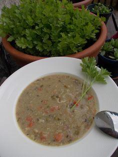 """polévka """"hutňačka"""" s hl.zelím (mrkev,brambory,vejce,suš.houby)"""