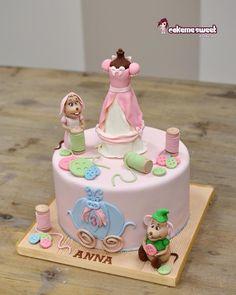 Cinderella cake  by Naike Lanza