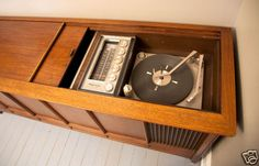 """Magnavox """"Astrosonic"""" stereo console cabinet: How we jammed"""