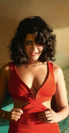 Shruti Hassan, Hot Actresses, Wonder Woman, Formal Dresses, Red, Beautiful, Women, Fashion, Dresses For Formal