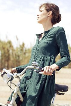 Barcelona Cycle Chic♡  Dress for the destination, not the journey.