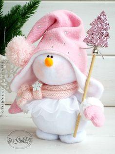 Best 12 Елена's 381 media content and analytics – SkillOfKing.Com - Her Crochet Christmas Gnome, Pink Christmas, Christmas Colors, Winter Christmas, Christmas Ornaments, Sock Snowman, Snowman Crafts, Snowmen, Sock Crafts