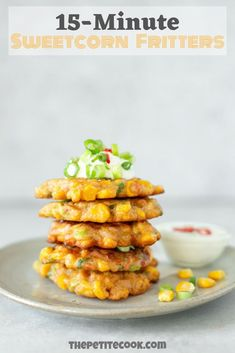 Recipes Snacks Savoury Ready in just 15 minutes, these tasty and crispy Sweetcorn Fritters inspired by one of Chef Ramsay's most popular recipes, are perfect for a quick lunch/dinner or appetizer! Cocoa Recipes, Hot Dog Recipes, Coffee Recipes, Vegan Recipes Easy, Easy Dinner Recipes, Cooking Recipes, Dinner Ideas, Vegetarian Recipes, Cheap Recipes