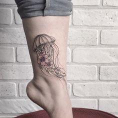 Jellyfish Tattoo, Tattoo Photos, Female, Tattoos, Style, Swag, Tatuajes, Tattoo, Tattos