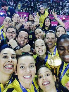 Brasil campeão grand prix selfie vôlei (Foto: Reprodução Instagram)