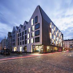 Hotel PURO w Gdańsku prokektu ASW Architekci świetnie wpisał się w okoliczną zabudowę. Swoją formą z lekki sposób nawiązuje do architektury gdańskich kamieniczek, pozostając przy tym w zakotwiczonym w nowoczesności. #gdansk #design #hotel #architecture
