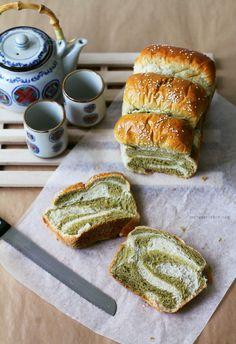 The pleasures of making a Matcha-Milk Tangzhong Bread [VIDEO]