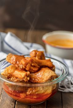 This Buffalo Wings Recipe makes some of the BEST Buffalo Wings I've ever had. These spicy, deep fried buffalo chicken wings are perfect for tailgating, the Super Bowl, and every day in between! Fried Buffalo Wings Recipe, Baked Hot Wings Recipe, Crispy Fried Chicken Wings, Thai Chicken, Chicken Recipes Gordon Ramsay, Chicken Wing Recipes, Homemade Buffalo Sauce, Clean Eating Desserts, Eating Healthy