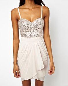 ein nettes und sexy Kleid für Euren Abiball - weitere gibt es auch auf http://www.abiball-planer.de/weiteres/abiballkleid-abikleid/ und da auch Shopping tipps!!!