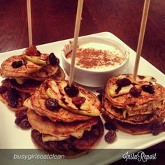 Apple Cinnamon Raisin Pancake Kabobs | 7 Healthy Ingredients! Delish, great breakfast before or after a workout! RippedRecipes.com